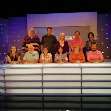 Will a group of Deaf and Hard of Hearing people beat the EGGHEADS?